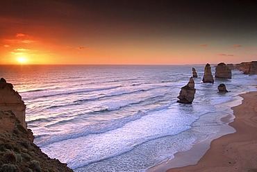 Rocks of the 12 Apostles, Port Campell National Park, Great Ocean Road, Victoria, Australia