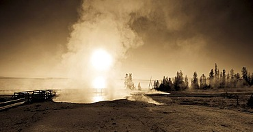 Break of dawn at the waterside of Yellowstone Lake, Yellowstone National Park, Wyoming, USA, United States of America
