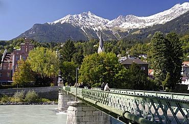Innsteg, footbridge over the Inn River, Innsbruck, Tyrol, Austria