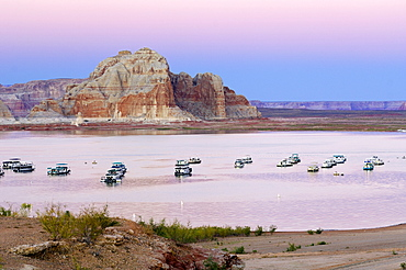 View from Wahweap Marina, houseboats in the evening, Lake Powell, Arizona, USA, North America