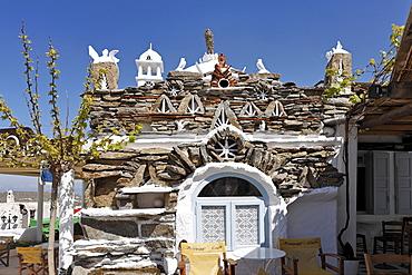 Nice decoration at a tavern, Ano Mera, Myconos, Greece