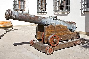 Old cannon at the governmental palace La Moneda, Santiago de Chile, Chile, South America