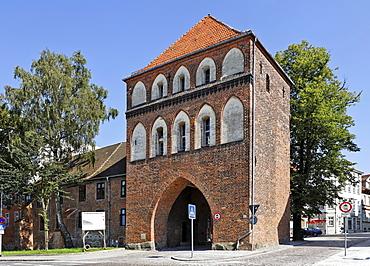Kniepertor Gate, Stralsund, Mecklenburg-Western Pomerania, Germany, Europe