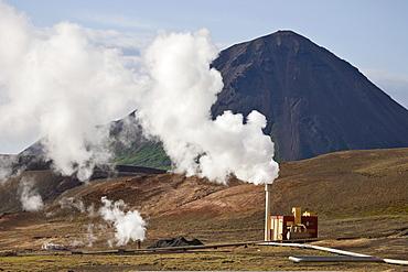 Kisilverksmidja diatomaceous earthworks (diatomite, diahydro, kieselguhr) with Mt. Hliarfjall in the background, Myvatn, northern Iceland, Iceland, Atlantic Ocean
