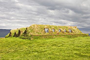 Peat walls, Glaumbaer Farm Museum, northern Iceland, Iceland, Atlantic Ocean