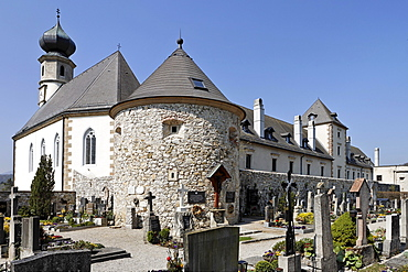 Part of the church and castle complex showing the cemetery and parish church in Neuhaus, Triestingtal (Triesting Valley), Lower Austria, Austria, Europe