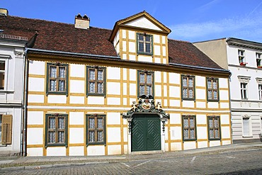 Im Gueldenen Arm, Hermann-Elflein-Strasse 3, oldest half timbered house in Potsdam, today used as a museum, Potsdam, Brandenburg, Germany, Europe