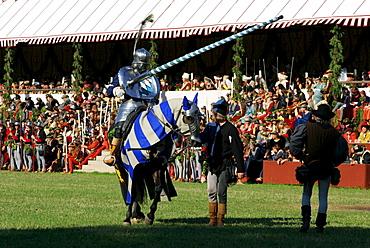 Medieval games during the Landshut Wedding historical pageant, Landshut, Lower Bavaria, Bavaria, Germany, Europe