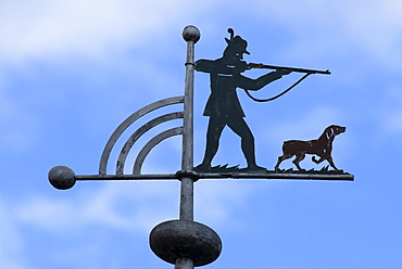 Weather vane, hunter with pointed gun, rifle and dog