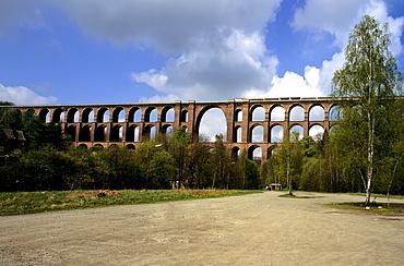 Goeltzsch Valley train bridge (German: Goeltzschtalbruecke), the largest brick bridge in the world, Vogtlandkreis region, Saxony, Germany, Europe