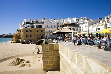 Restaurants on the Praia do Peneco, Algarve, Portugal, Europe
