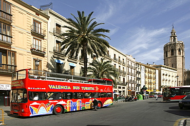 ESP, Spain, Valencia : Oldtown, Plaza de la Reina, Torre del Miguelete, bell tower of the cathedral