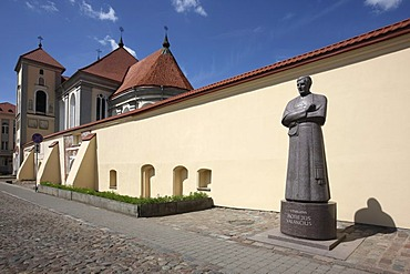 St. George's Church, monument to M. Valancius in the historic city centre of Kaunas, Lithuania, Baltic States, Northeastern Europe