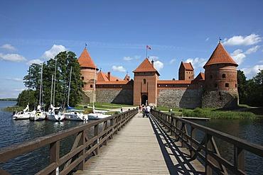 Bridge towards Trakai Island Castle, landmark of Lithuania, Trakai, Lithuania, Baltic States, Northeastern Europe