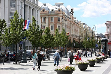 Gedimino Prospektas, largest shopping and pedestrian street in the city center, with many businesses, fashion shops, restaurants and bars, Vilnius, Lithuania, Baltic States, Northeastern Europe