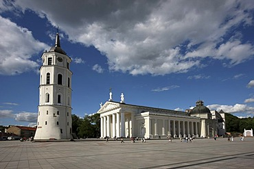 St. Stanislaus Cathedral with detached bell tower, Varpine, Cathedral Square, Vilnius, Lithuania, Baltic States, Northeastern Europe