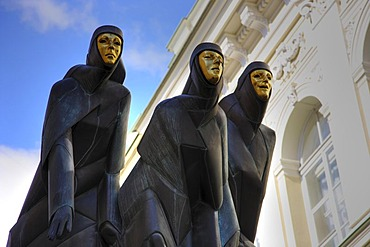 """Sculpture, the """"Feast of the 3 Muses"""" at the National Drama Theatre at Gedimino Boulevard, Vilnius, capital of Lithuania, Baltic States, North East Europe"""