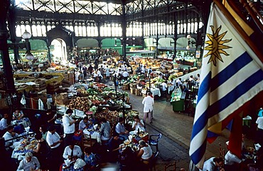 CHL, Chile, Santiago de Chile: Mercado Central, restaurant and market.