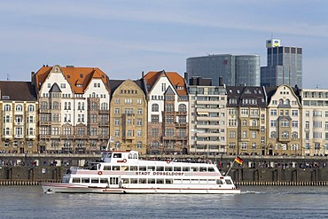 Duesseldorf, Rhine front, Wilhelminian houses, tourist boat, NRW, Germany