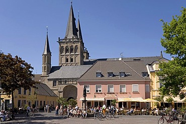 Xanten, market place, cathedral St.Victor, NRW, Germany