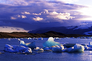 Icebergs, Joekulsarlon, Iceland, Atlantic Ocean