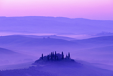 Early morning mist over Podere Belvedere, Val d'Orcia, Tuscany, Italy, Europe