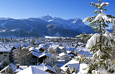 Garmisch-Partenkirchen in winter, Werdenfelser Land, Bavaria, Germany