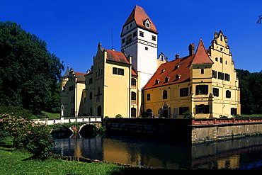 Moated castle, municipality of Schoenau, Lower Bavaria, Germany, Europe