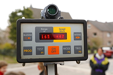RIEGL LR90-235/P laser speed trap indicating 47km/h in a 30 km/h zone in Odenthal-Voiswinkel, North Rhine-Westphalia, Germany
