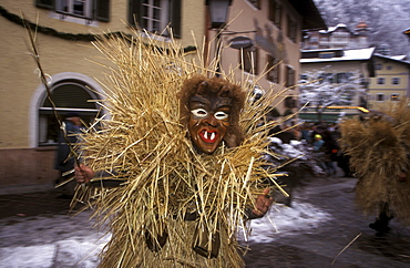 Buttnmanndl, traditional festival costume and mask, December 6, Berchtesgaden, Oberbayern (Upper Bavaria), Germany, Europe