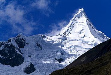 Alpamayo, Cordillera Blanca, Peru, South America
