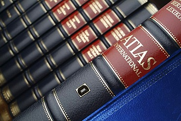 Encyclopedia, data transmission of knowledge