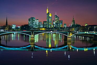 Ignatz Bubis Bridge and the Frankfurt skyline, Frankfurt, Hesse, Germany, Europe