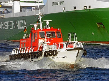"""Pilot boat at the ferry ship """"Transfennica"""""""