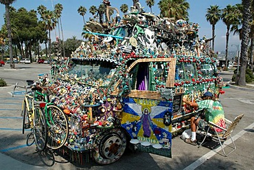 Hippie bus, Santa Babara, California, USA