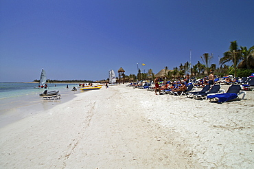 Beach of Cancun, Yucatan peninsula, Mexico