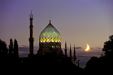 The so called Tabakmoschee (tabacco mosque) Yenidze, a former tabacco factory, Dresden, Saxony, Germany