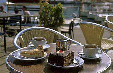Mallorca Port de Soller - cake and coffee