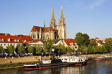 Regensburg, cathedral and shipping museum on Danube, Upper Palatinate, Bavaria, Germany