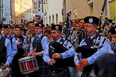 Scottish bagpipes group Grampian Police, Buergerfest festival, Regensburg, Upper Palatinate, Bavaria, Germany