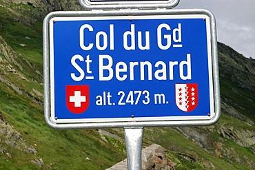 Saint Bernard pass, connecting the Wallis (Switzerland) with Italy.