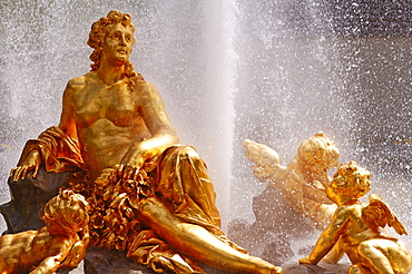 Gilded sculptures, fountain, Linderhof Castle, Upper Bavaria, Bavaria, Germany, Europe