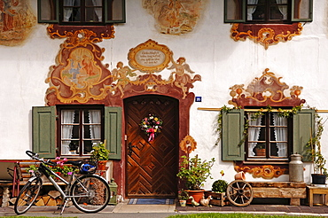 """Lueftlmalerei, "" traditionally painted building facade in Oberammergau, Upper Bavaria, Bavaria, Germany, Europe"