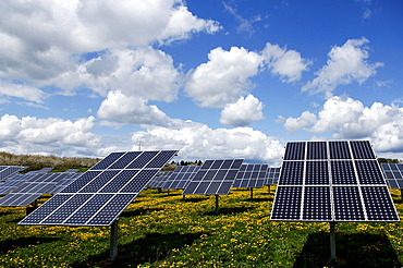 Photovoltaics, solar panels in a field near Oberruesselbach, Middle Franconia, Bavaria, Germany, Europe