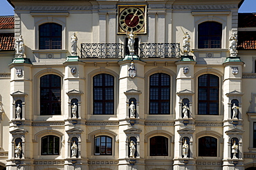 Town Hall facade, detail, with figurines, Lueneburg, Lower Saxony, Germany, Europe