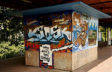 Kiosk sprayed with graffiti on a platform, Berlin-Karlshorst, Germany, Europe