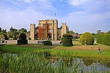 Hever Castle and park, Hever, County of Kent, England, Great Britain, Europe