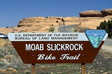 Sign bike trail, Moab, Slickrock, Utah, USA