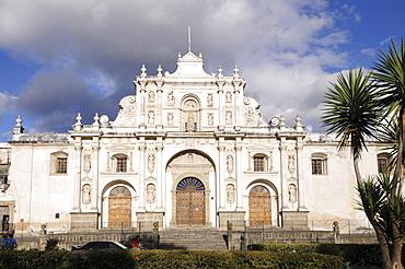 Catedral Metropolitana Cathedral, Parque Central, Antigua, Guatemala, Central America