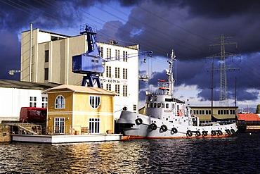 Old tugboat, Harburg harbour, Hamburg, Germany